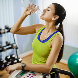 http://www.fitnessvsweightloss.com/wp-content/uploads/2013/10/Drinking-Water-During-Workout.png
