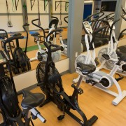 Airdyne bikes and Woodway treadmills.